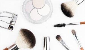 Pinceau de maquillage - youtubeuse